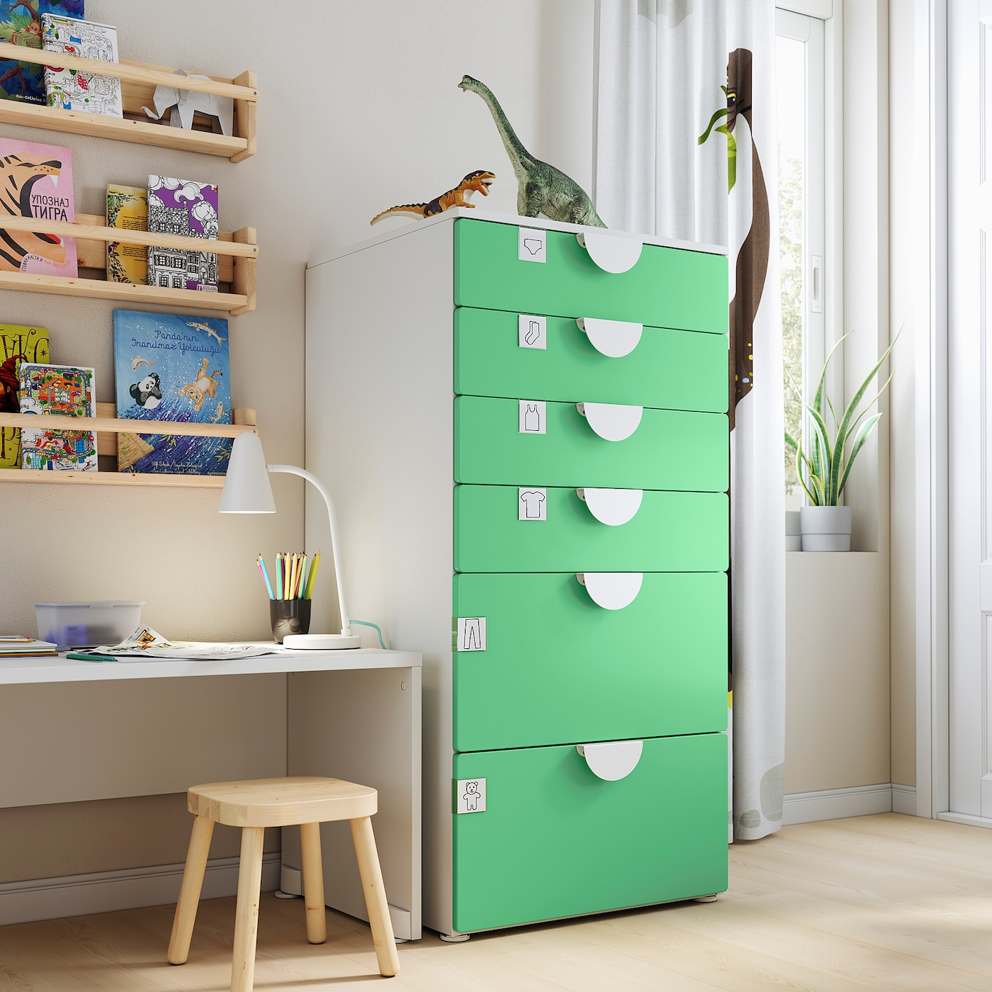SMÅSTAD / PLATSA Ladekast 6 lades, wit/groen, 60x57x123 cm