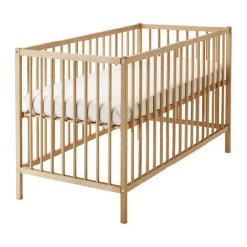 SNIGLAR Babybedje IKEA Bedbodem op 2 hoogtes te monteren.
