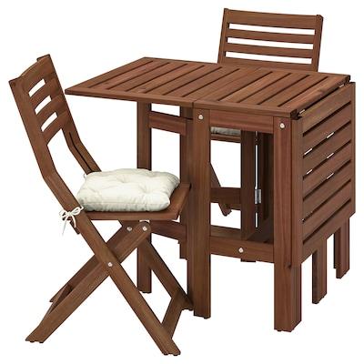 ÄPPLARÖ Bord + 2 klappstoler, utendørs, brunbeiset/Kuddarna beige