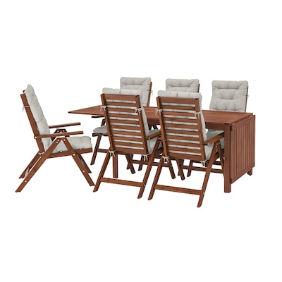 ÄPPLARÖ Bord + 6 regulerbare stoler, utend, brunbeiset/Kuddarna grå