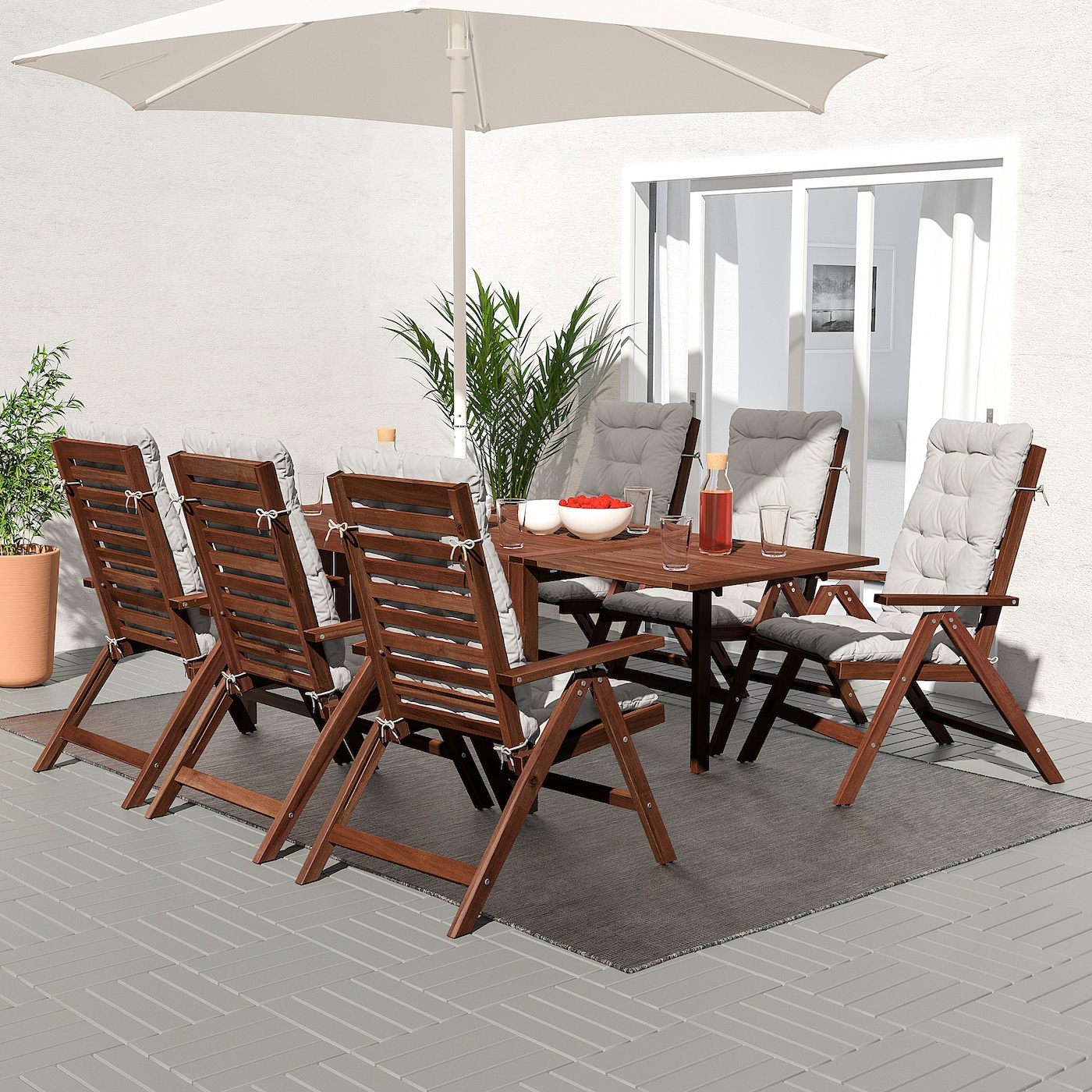 ÄPPLARÖ Bord + 6 regulerbare stoler, utend, brunbeiset