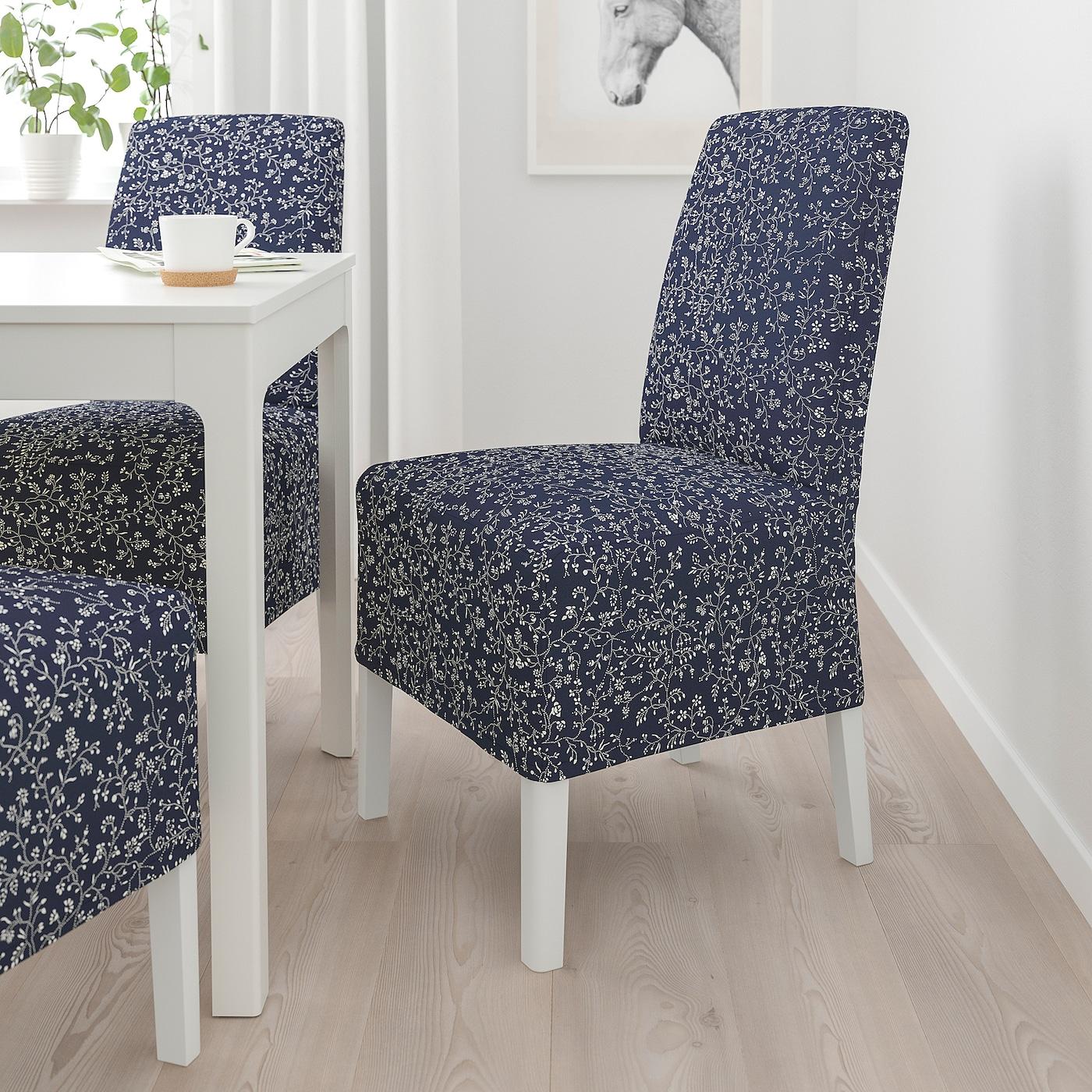 BERGMUND Stol med mellomlangt trekk, hvit/Ryrane mørk blå