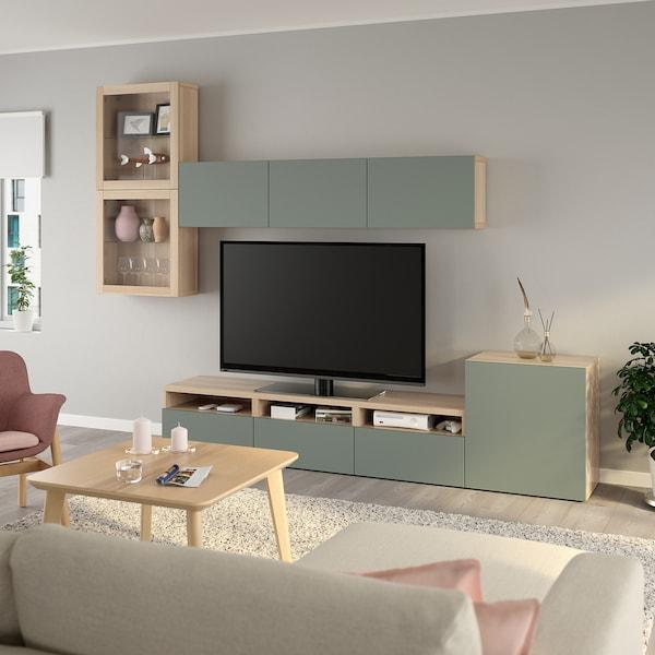 BESTÅ TV-løsning/vitrinedører, hvitbeiset eikemønster/Notviken grågrønn klart glass, 300x42x211 cm