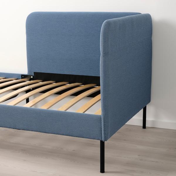 BLÅKULLEN Tekstiltrukket seng hjørnehodegavl, Knisa mellomblå, 90x200 cm
