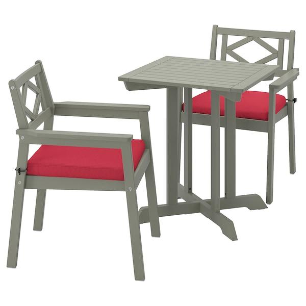 BONDHOLMEN bord+2 stoler med armlener, utend. gråbeiset/Frösön/Duvholmen rød