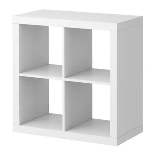 EXPEDIT Hylle IKEA Kan henges på veggen eller plasseres på gulvet; velg det som passer dine behov best.