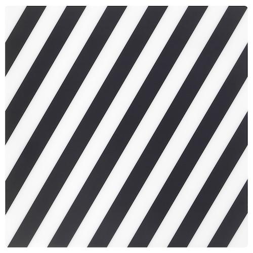 PIPIG kuvertbrikke stripet/svart/hvit 37 cm 37 cm