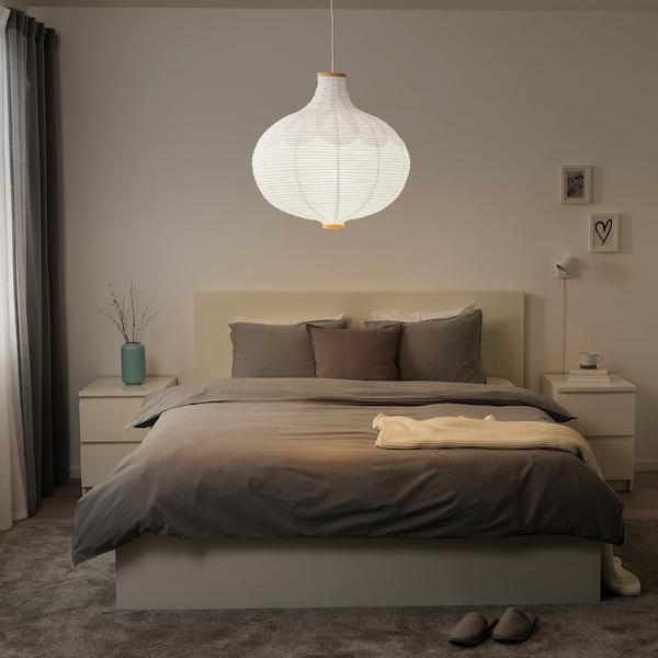 RISBYN Taklampeskjerm, løkformet/hvit, 57 cm
