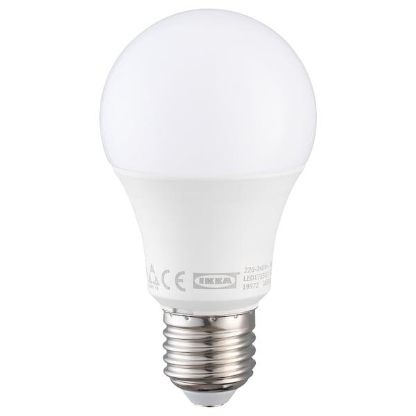 RYET LED-pære E27 600 lumen med sensor, globe opalhvit