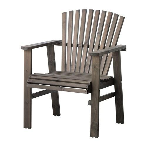 SUNDERÖ Stol med armlener, utendørs , gråbeiset grå Bredde: 64 cm Dybde: 65 cm Sete bredde: 50 cm Høyde: 85 cm / 85 cm Setehøyde: 42 cm