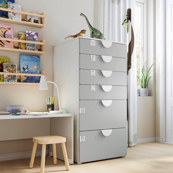 SMÅSTAD / PLATSA Commode 6 tiroirs, blanc/gris, 60x57x123 cm