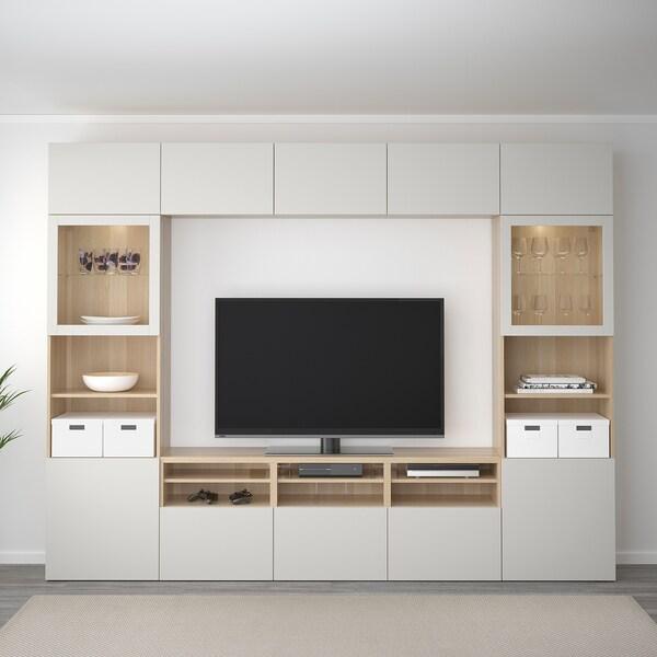 BESTÅ Kombinacja na TV/szklane drzwi, dąb bejcowany na biało/Lappviken jasnoszare szkło przezroczyste, 300x40x230 cm