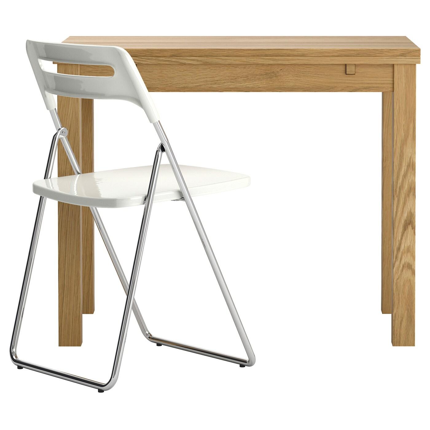 IKEA BJURSTA stół rozkładany w okleinie dębowej z białym krzesłem NISSE, rozmiar blatu 50/70/90x90 cm