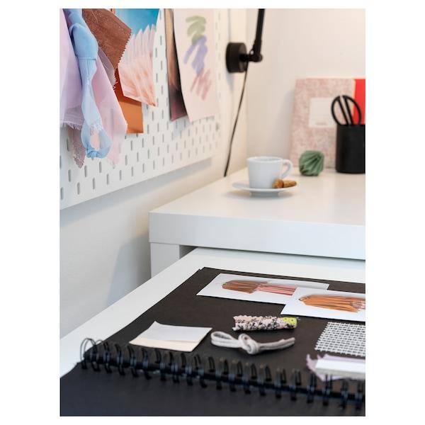 MALM Biurko z wysuwanym panelem, biały, 151x65 cm
