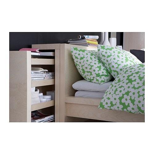 MALM Półka/szczyt łóżka, 3 szt. IKEA Schowek na rzeczy, które chcesz mieć pod ręką i ukryć przed wzrokiem innych osób.
