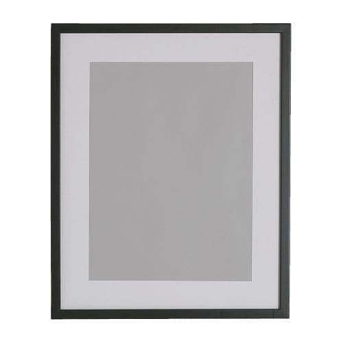 RIBBA Ramka IKEA Użyta z podstawą, pasuje do obrazów o formacie A4. Passepartout ułatwia oprawienie obrazka/zdjęcia i dodaje mu waloru.