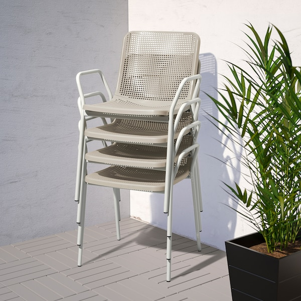 TORPARÖ Table+4 chairs w armrests, outdoor, white/beige, 130 cm