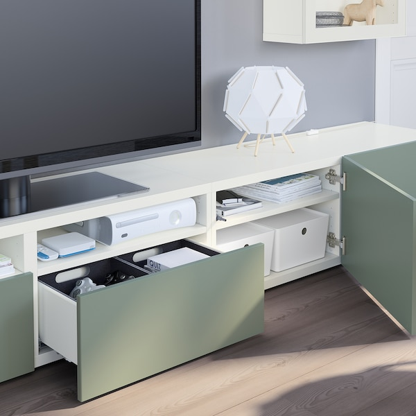 BESTÅ Comb arrum TV/portas vidro, branco Lappviken/Notviken verde acinzentado, 240x42x190 cm