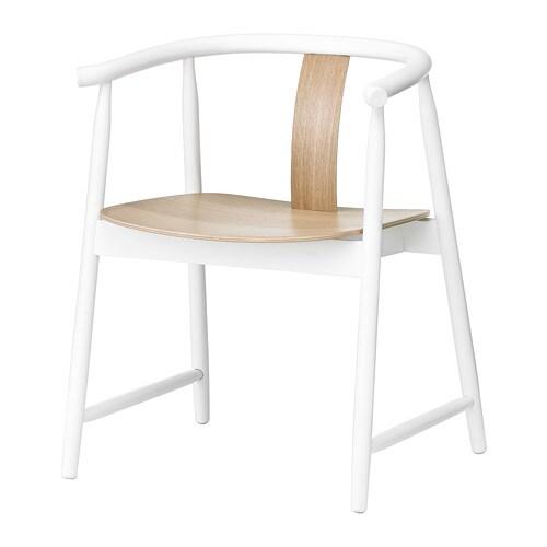 TRENDIG 2013 Cadeira c/braços IKEA A cadeira é muito confortável graças aos apoios de braços e ao encosto arredondado.