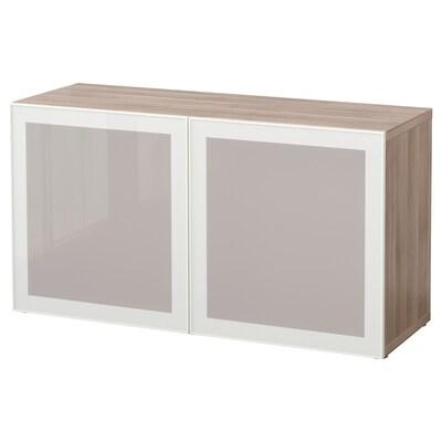 BESTÅ وحدة أرفف مع أبواب زجاجية, مظهر الجوز مصبوغ رمادي/Glassvik أبيض/زجاج ضبابي, 120x42x64 سم