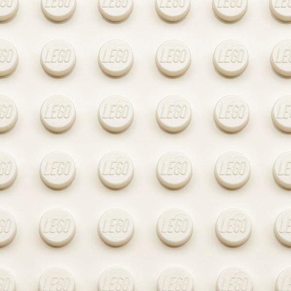 BYGGLEK LEGO® صندوق بغطاء, أبيض, 26x18x12 سم