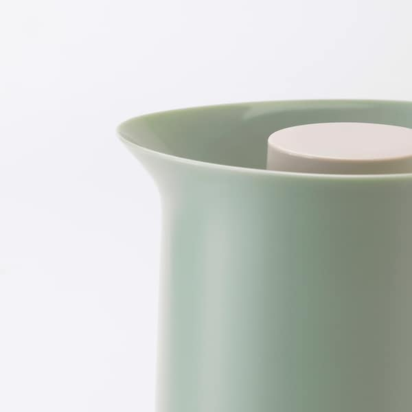 BEHÖVD Carafă izotermă, verde deschis/bej, 1 l