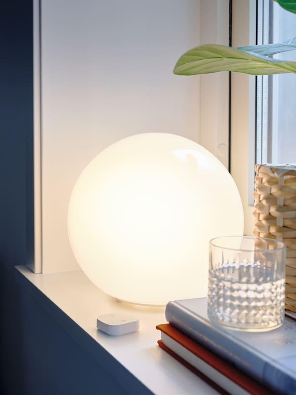 FADO Stona lampa, bela, 25 cm