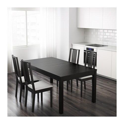 BJURSTA طاولة قابلة للتمديد  2 لوح تمديد متضمنة. يمكنك تغيير حجم الطاولة بسرعة وسهولة لتلائم احتياجاتك المختلفة.