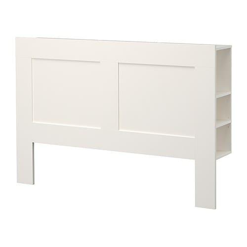 BRIMNES Huvudgavel med förvaring IKEA Perfekt för saker du vill nå från sängen. 1 hylla är justerbar i 3 olika positioner.
