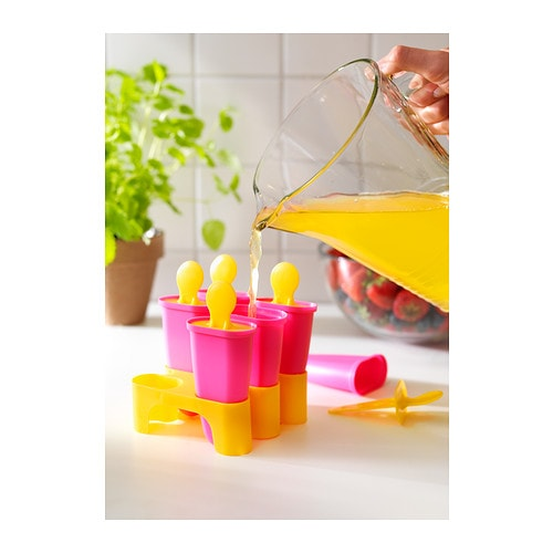CHOSIGT Glassform IKEA Fyll med juice eller saft och tillverka egen glass. Spola undersidan med ljummet vatten så släpper formen lättare.