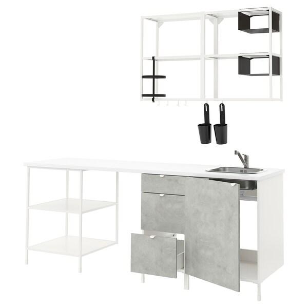 Väggmonterade bord ger mer utrymme till annat IKEA