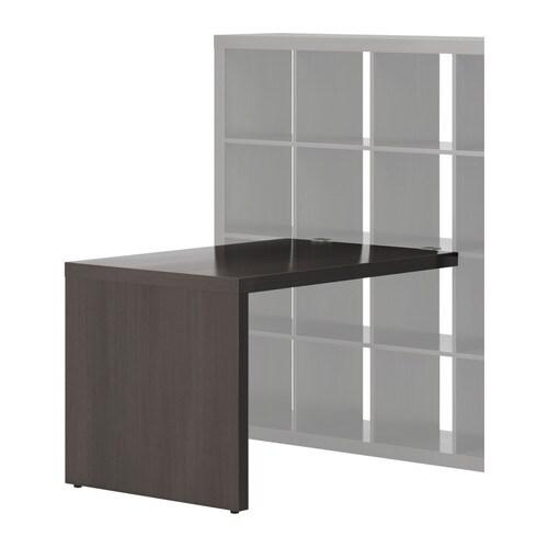 EXPEDIT Skrivbord IKEA Bordet står stadigt även på ojämna golv eftersom det har justerbara fötter.