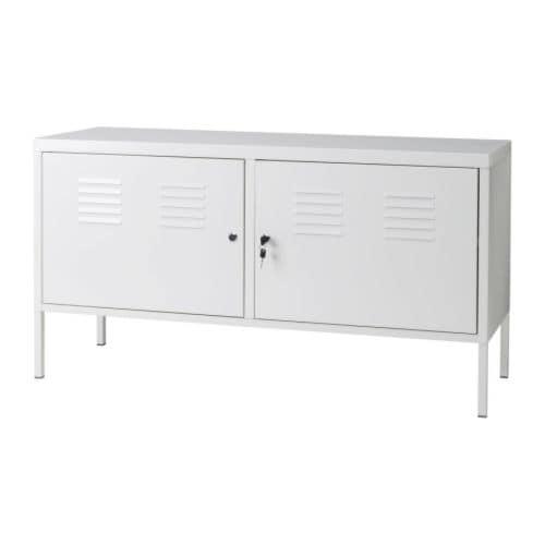 IKEA PS Skåp IKEA Sladduttag undertill; samlar sladdarna på ett ställe. Låsbara dörrar; förvara saker du är extra rädd om här.
