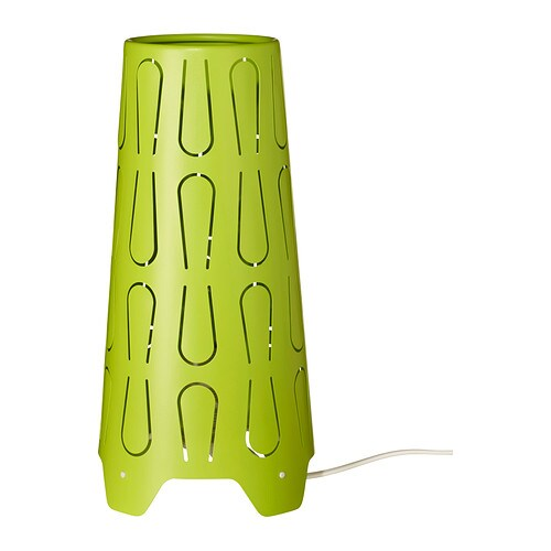 KAJUTA Bordslampa IKEA Skapar ett dekorativt ljusmönster i rummet när ljuset skiner genom den perforerade skärmen.