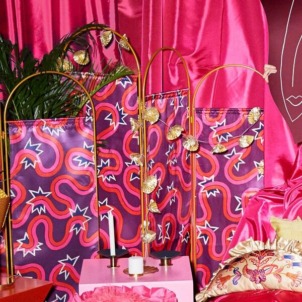 KARISMATISK Skärmvägg, lila, 136x160 cm