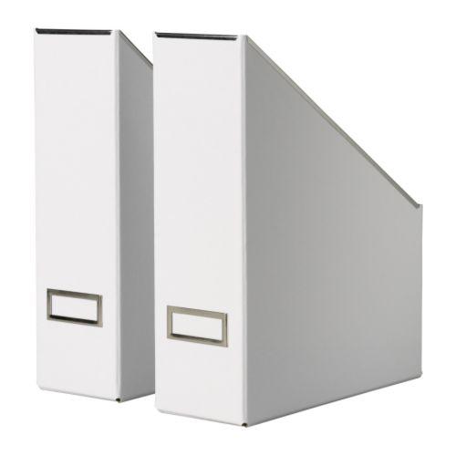 KASSETT Tidskriftssamlare, vit Bredd: 10 cm Djup: 25 cm Höjd: 32 cm Antal i förpackning: 2 styck