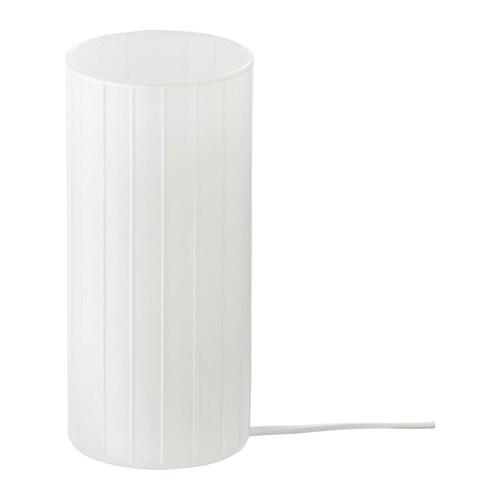 KVARNÅ Bordslampa IKEA Lampan ger ett mjukt ljus och skapar en varm, mysig atmosfär i ditt rum.