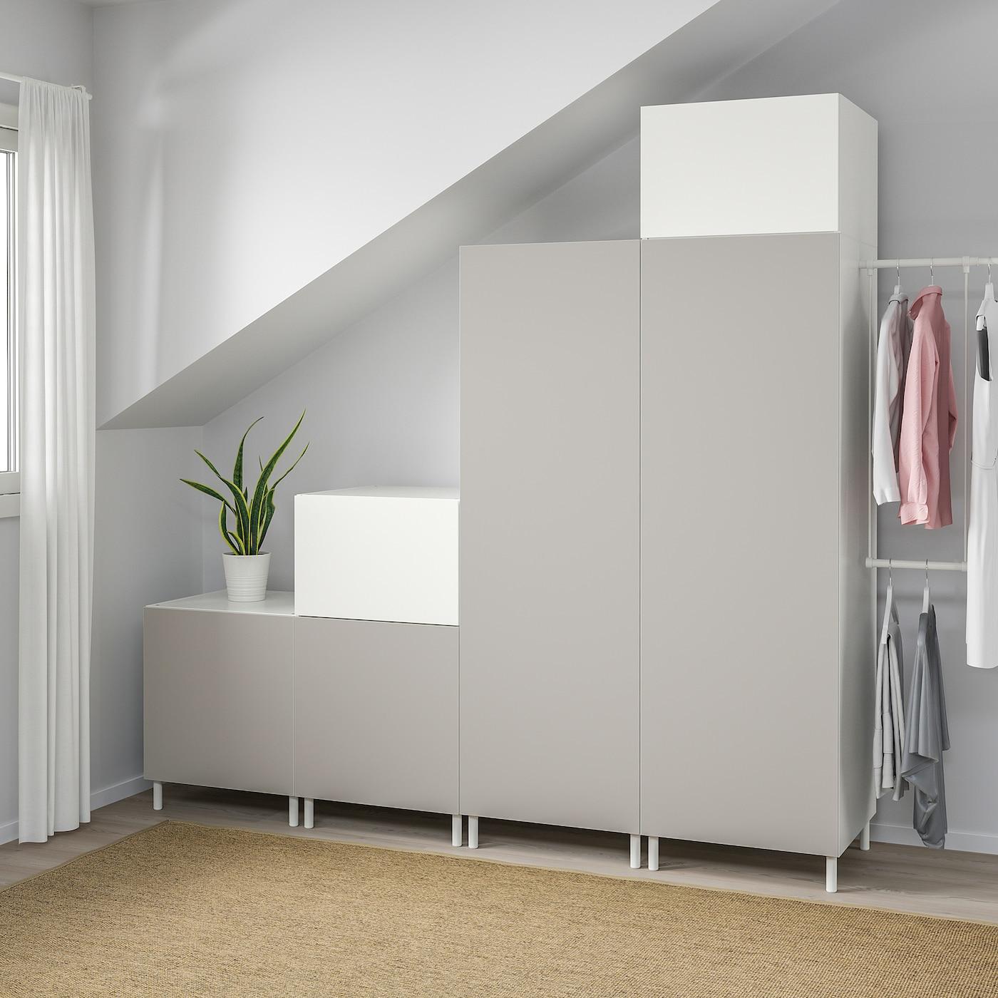 PLATSA Garderob, vit Fonnes/Skatval ljusgrå, 275-300x57x231 cm