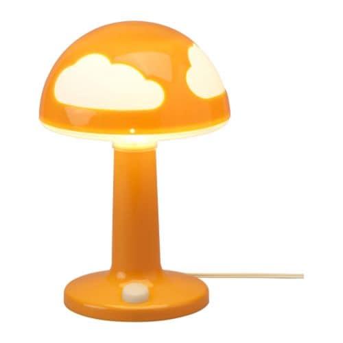 SKOJIG Bordslampa IKEA Testad och petskyddad för nyfikna små fingrar. Självlysande strömbrytare; enkel att hitta i mörkret.