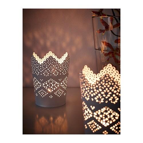 SKURAR Ljushållare IKEA Ljuslågans varma sken lyser dekorativt genom ljushållarens hålmönster. Kan användas med små och stora värmeljus.