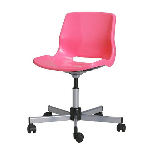 SNILLE Arbetsstol IKEA Du sitter bekvämt tack vare att stolen går att justera i höjd.