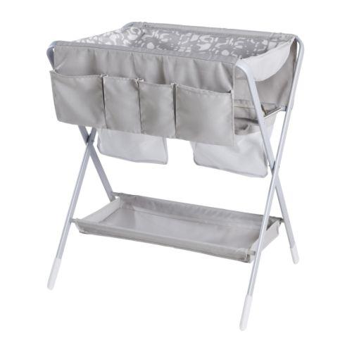 SPOLING Skötbord IKEA Hopfällbart; lätt att ställa undan när det inte används.