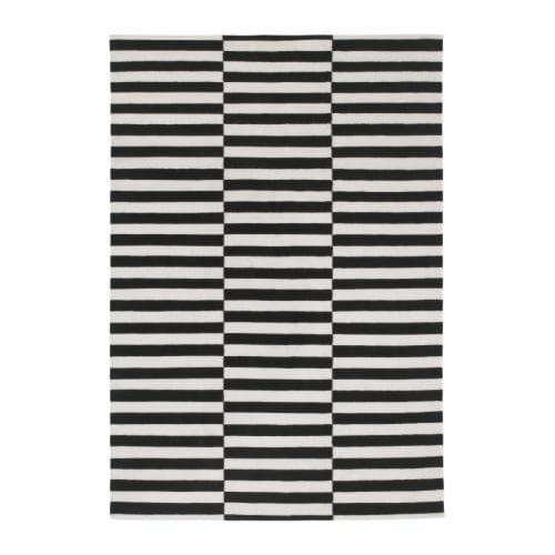 stockholm matta sl tv vd 170x240 cm randig svart off. Black Bedroom Furniture Sets. Home Design Ideas