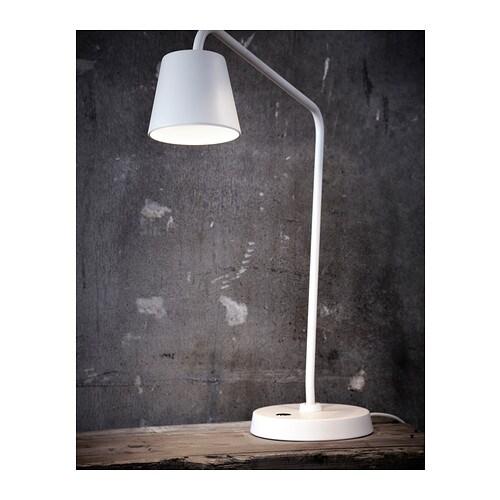 TISDAG LED arbetslampa IKEA Du kan enkelt rikta ljuset dit du vill eftersom lampans arm går att justera.
