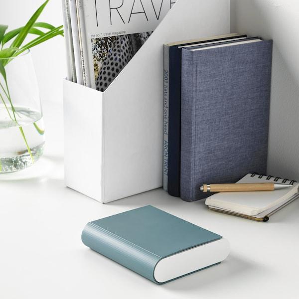 TJUGO Batteriladdare med förvaring, grågrön