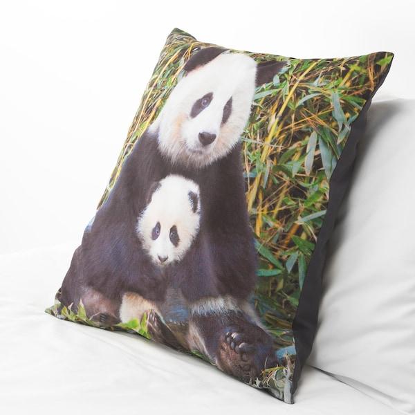 URSKOG Kudde, Panda flerfärgad, 50x50 cm