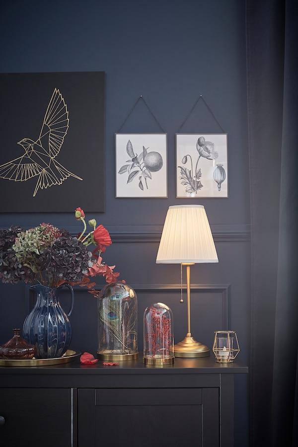ÅRSTID Table lamp, brass/white