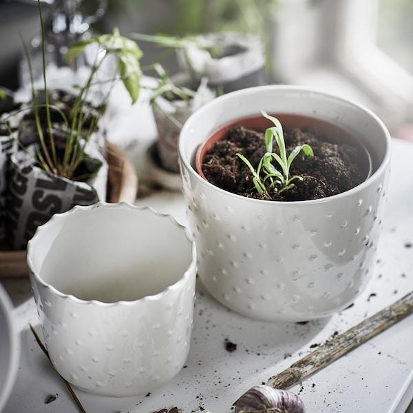 SESAMFRÖN Plant pot, in/outdoor off-white, 9 cm