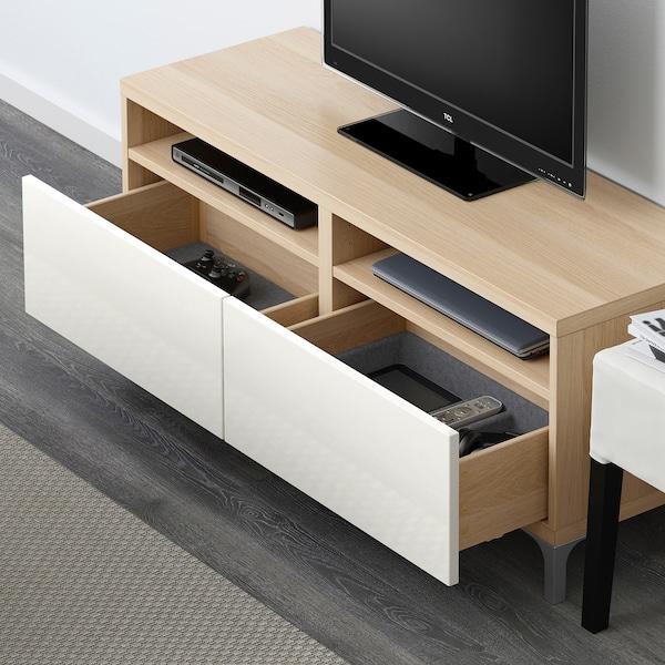 BESTÅ Skrinka na TV so zásuvkami, vzhľad bielo moreného dubu/Selsviken lesk/biela, 120x42x48 cm
