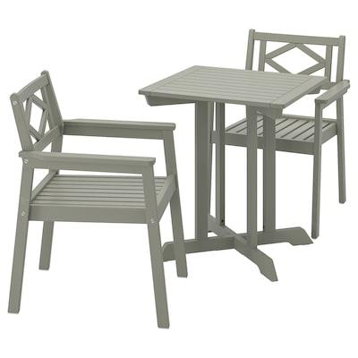 BONDHOLMEN stôl+2 stoličky, opierky, vonkajšie sivá morená